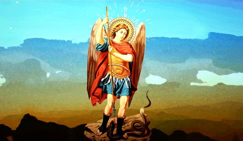 Святой Михаил убивает змея
